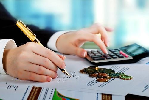 مقاله رقابت در بازار كار (جذب منابع مالی و فروش كالا)